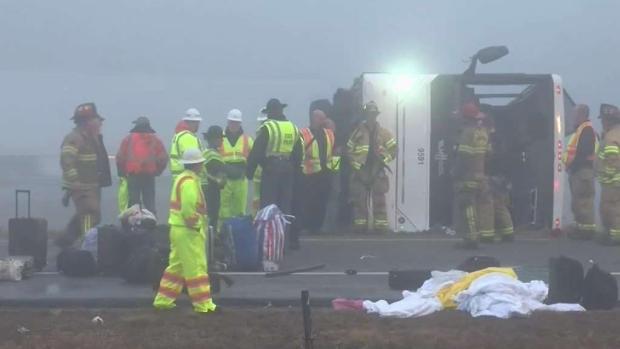 [TLMD - NY] Dos muertos y 3 heridos en violento accidente de bus