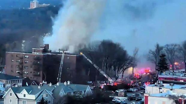 [TLMD - NY] Voraz incendio genera caótica movilización en Fort Lee