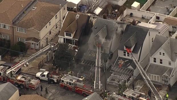 [TLMD - NY] Pavoroso incendio se desata en Queens