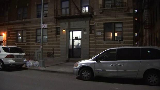 [TLMD - NY] Investigan muerte de madre e hijo