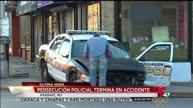 [TLMD - NY] Patrulleros chocan en persecución policial