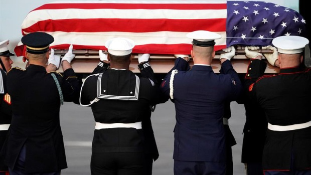 Restos de Bush llegan a Houston para funeral final