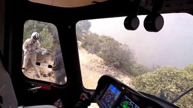 Dramático rescate de personas y perros en helicóptero