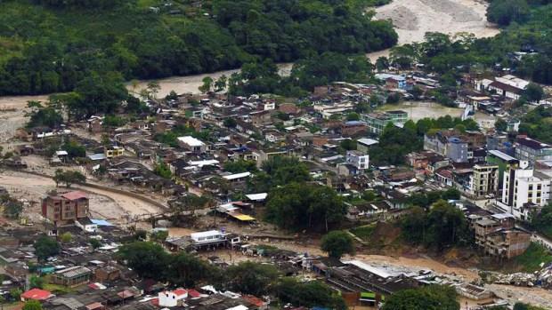 Imágenes aéreas muestran magnitud del desastre en Colombia