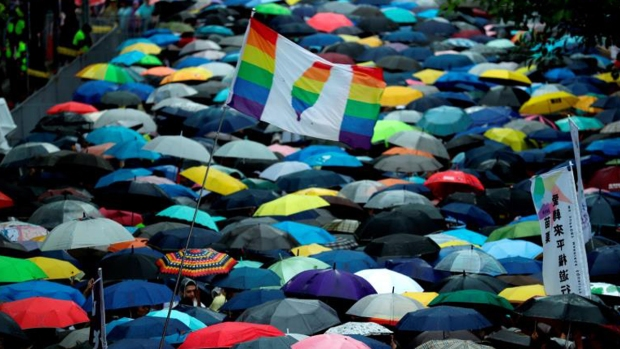 Legalizan bodas entre homosexuales en Taiwán