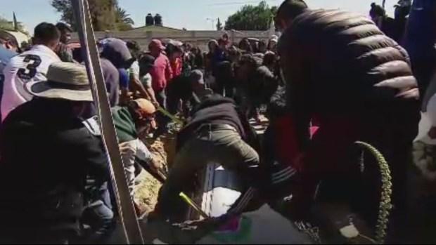 No saben dónde enterrar a víctimas de la tragedia de México