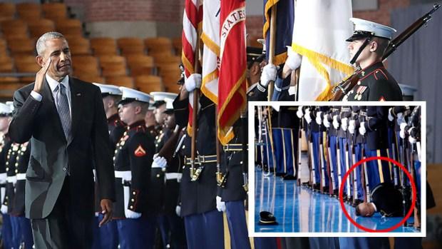 Miembro del ejército se desmaya en despedida de Obama