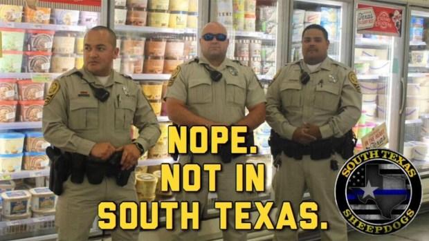 [TLMD - McAllen] Parodia de oficiales resguardando helados