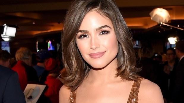 Ex Miss Universo Olivia Culpo se exhibe con atrevido escote