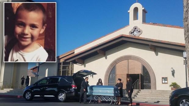 Así fue el último adiós al pequeño Anthony, el niño que fue presuntamente torturado hasta la muerta por su madre y el novio de esta