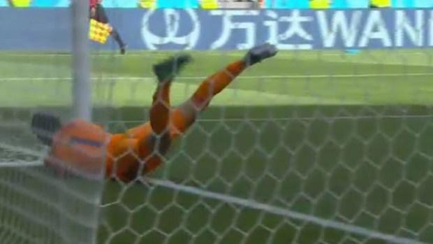 Con tiro libre, Colombia le empata a Japón