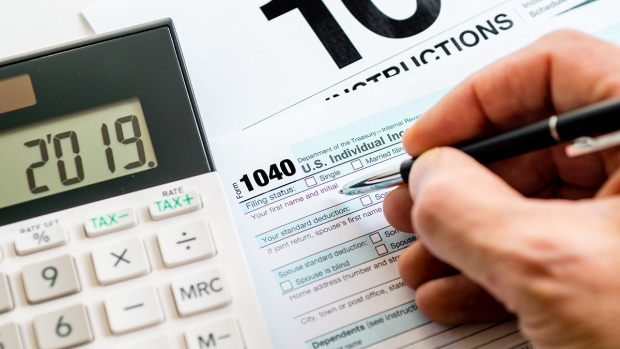 Cómo declarar tus impuestos si no tienes permiso de trabajo y eres indocumentado