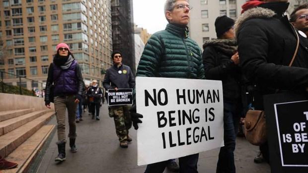 Nuevos obstáculos creados por Trump para inmigrantes