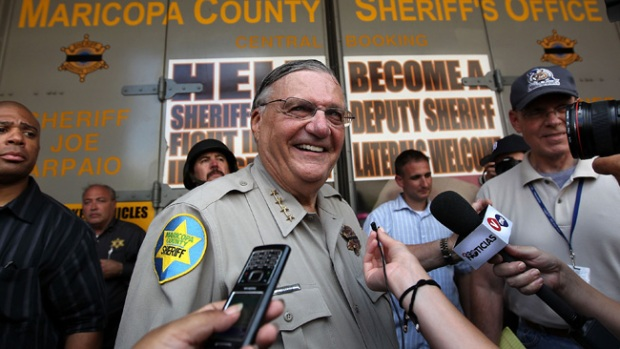 Video: Arpaio busca guardias escolares