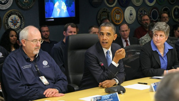 Video: Obama va a 'zona cero' de Sandy