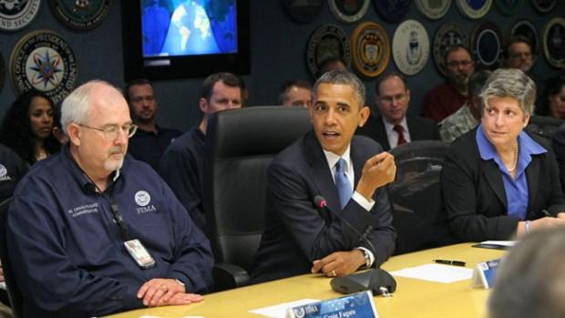 Video: Obama va a 'zona cero' de Sandy