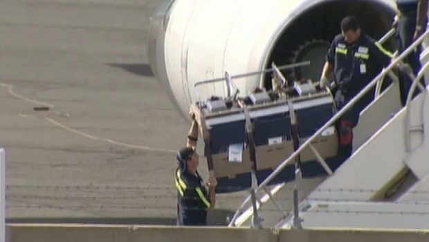 Video: Cancelan vuelos por asientos