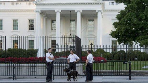 Video: Tres cargos al intruso de la Casa Blanca