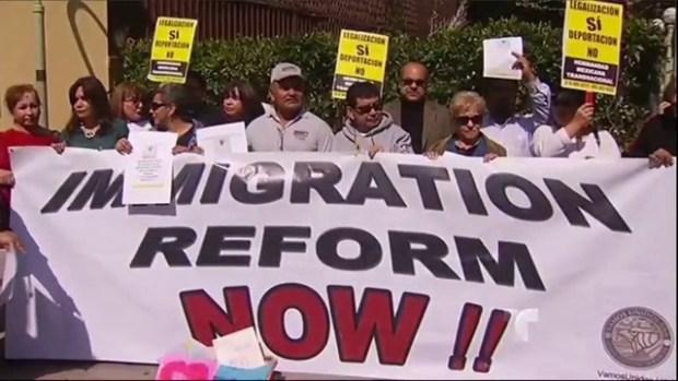 Video: Grupos pro inmigrantes hacen petición
