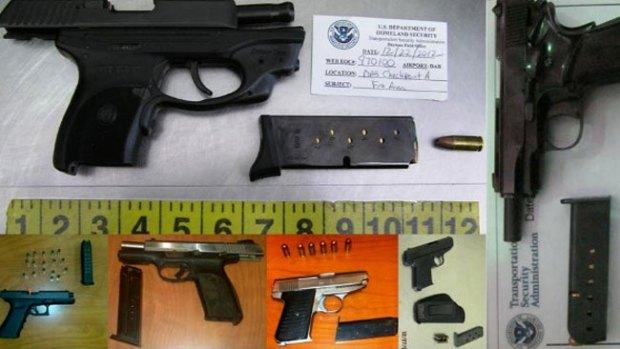 Video: Pasan armas, aún prohibidas