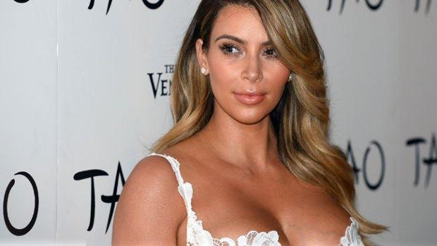 Video: El escueto bikini de Kim Kardashian