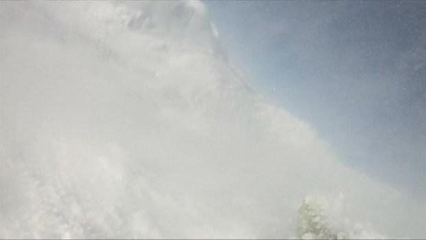[TLMD - LV] Captada en video peligrosa avalancha