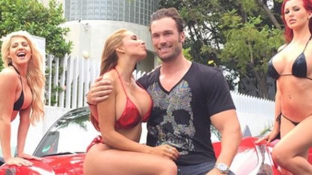 Fotos: conoce al matrimonio que vive como Playboy