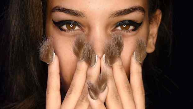 ¡Uñas peludas! La nueva tendencia de belleza