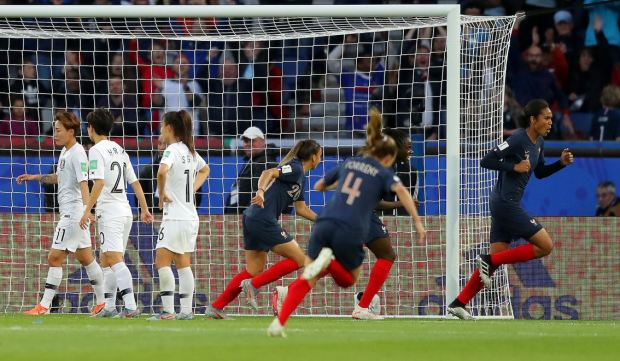 [TLMD - National-LV] Francia marca el tercero con magistral cabezazo de Renard