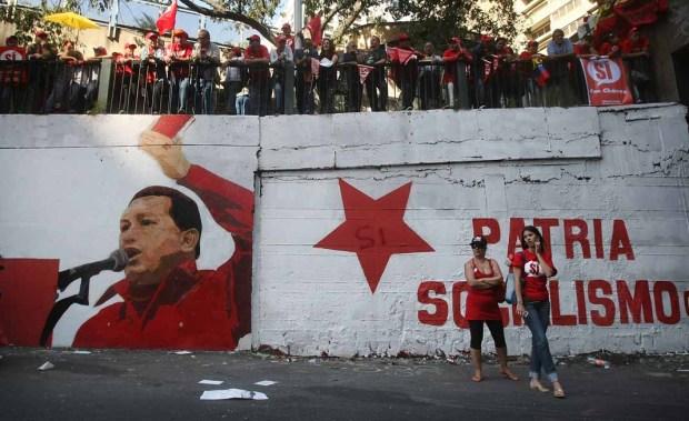 Video: Chávez no jurará el cargo, por ahora