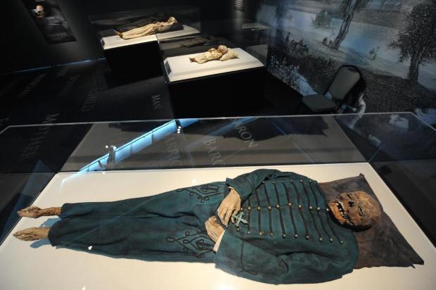 Monarcas y doncellas: galería de momias famosas