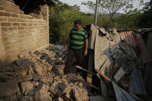En fotos: cientos de personas en incertidumbre tras sismos en este de El Salvador