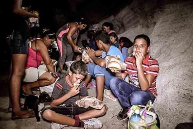 Cubanos se refugian en bunkers por huracán Irma
