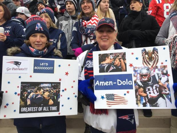 Celebran a los Patriots antes de comenzar su viaje al Super Bowl