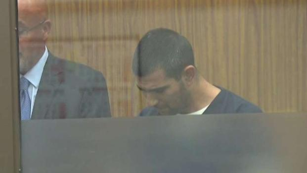 [TLMD - SD] Acusado de asesinar a dos hermanas se presenta en corte
