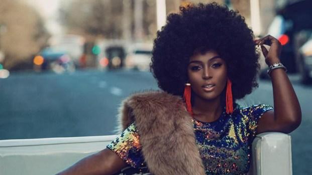 Amara La Negra saca la cara por las mujeres afrolatinas