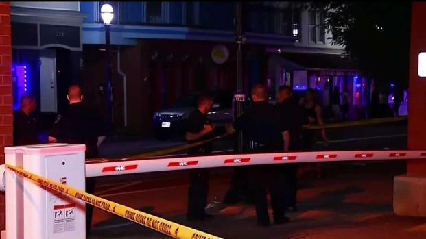 [TLMD - Boston] Arrestan a otros dos por apuñalamiento mortal en Club de RI