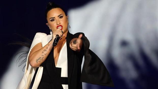 Demi Lovato ingresa a centro de rehabilitación
