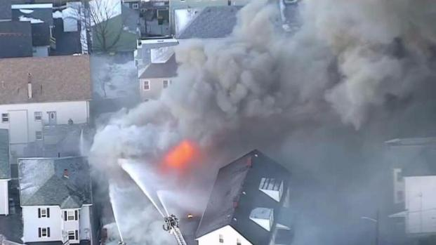 [TLMD - Boston] Incendio en Ferretería de Fall River