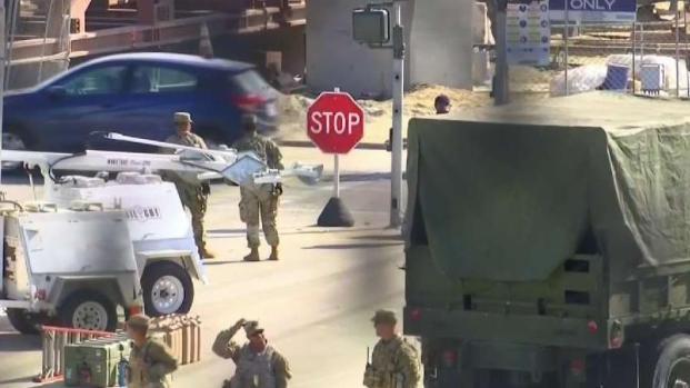 [TLMD - SD] Militares llegan a la frontera de California y Texas