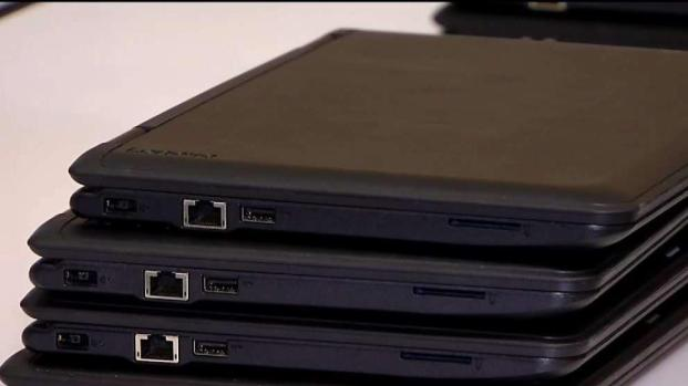 [TLMD - SD] No hay computadoras suficientes para estudiantes