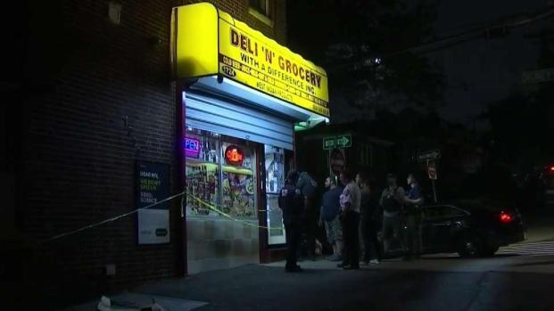[TLMD - NY] Policía rescata a hombre secuestrado en bodega