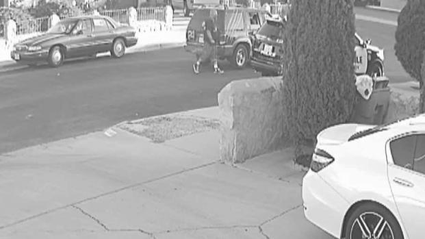 [TLMD - El Paso] En cámara: poncha llanta de policía a punta de navaja