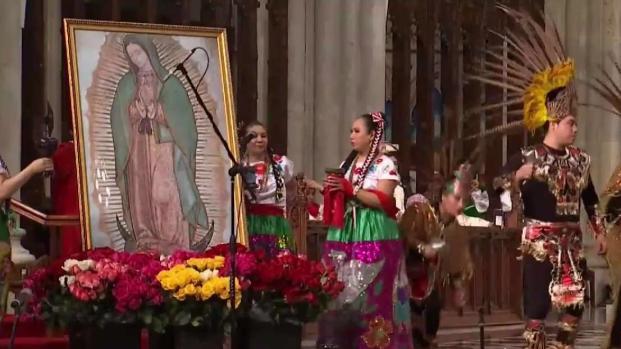 [TLMD - NY] San Patricio venera a la Virgen Morena