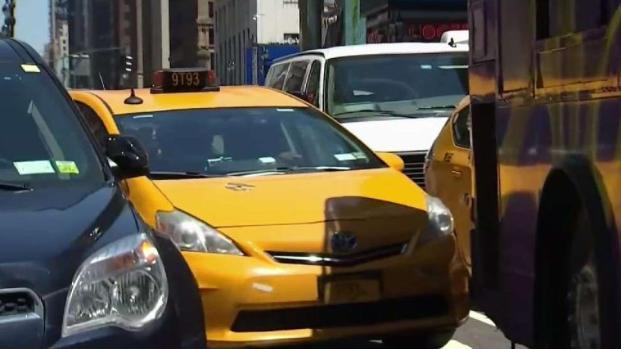 [TLMD - NY] Taxistas y conductores buscan evitar costosa ordenanza