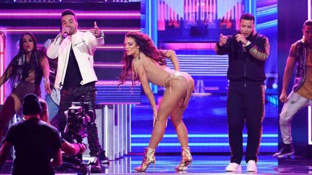 Premios Grammy: Fonsi y Daddy Yankee brillan en el escenario