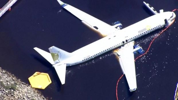 [TLMD - LV] Desde el aire y en video: así se encuentra el avión que cayó al agua