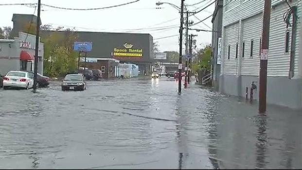 Video: Lynn: Peligro mayor tras inundaciones