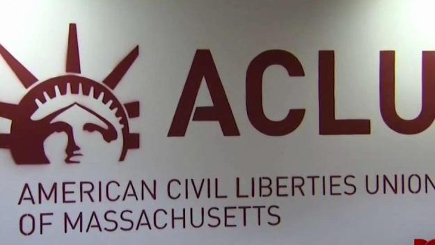 Llevan a cabo primera audiencia por demanda contra ICE