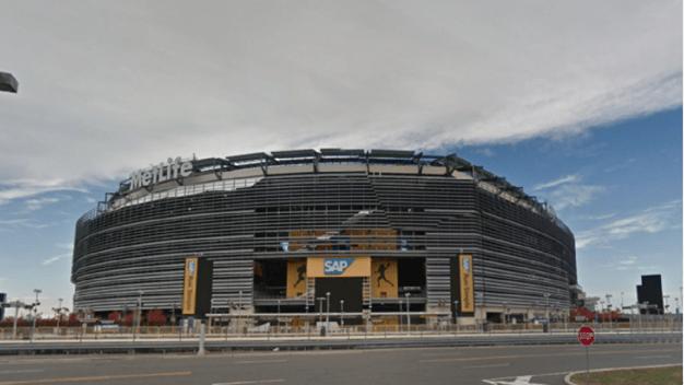 Buscan mujer por vender boletos falsos de la NFL